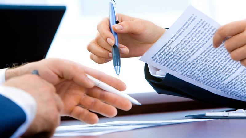 qué es un contrato mercantil definición